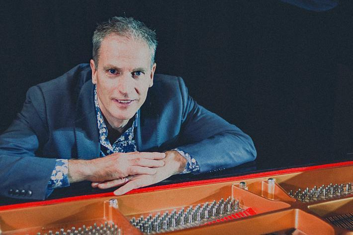 Simon Latarche at the piano